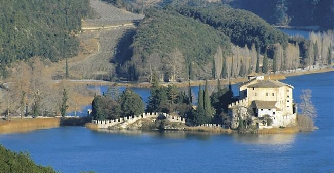 4485_-_Valle_dei_Laghi_-_Castel_Toblino